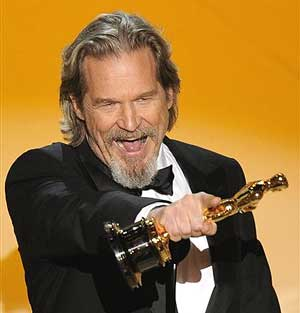 Jeff Bridges: Oscar® Thank You Cam and Backstage Interview - Daily ...