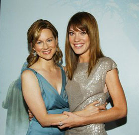 Laura-Linney-Jennifer-Carpenter