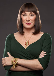smash-anjelica-huston