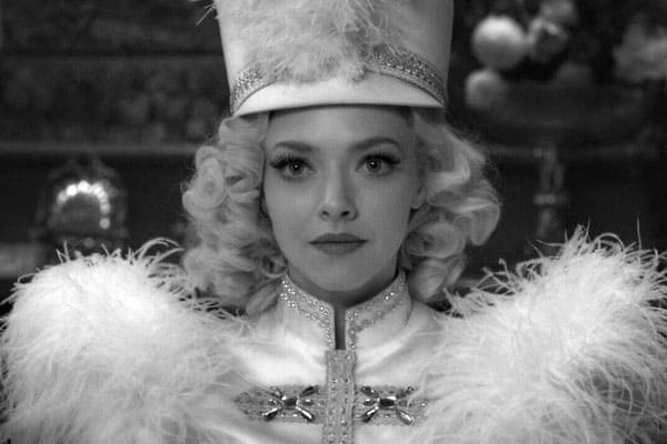 """Amanda Seyfried on Creating and """"Stepping"""" into Marion Davies"""