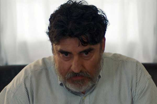 Alfred Molina on Carey Mulligan and How He Approached His Character in 'Promising Young Woman'